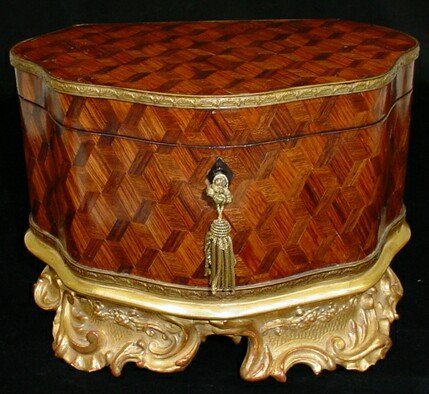 11: 19C Marquetry Parquetry Inaid Wooden Box/Casket wit