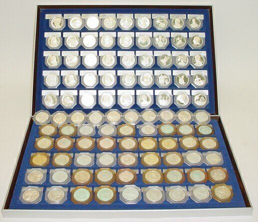 720: 100 Franklin Mint Sterling Silver Medals/Coins in