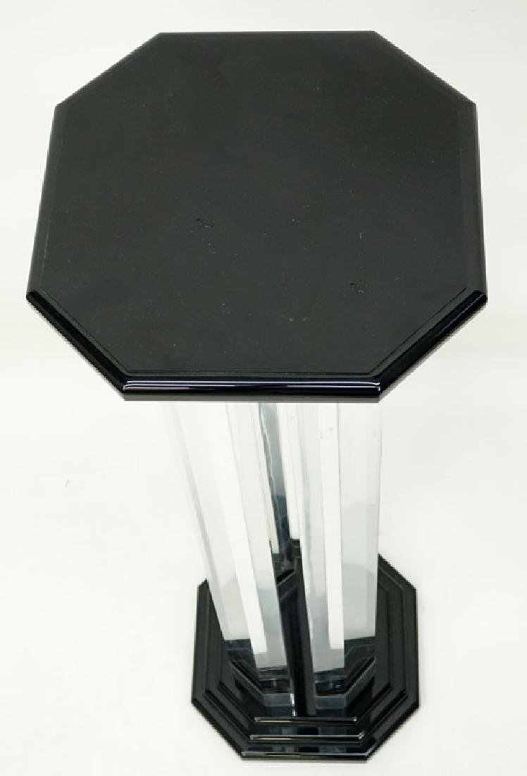 Mid Century Modern Lucite and Black Lacquer Pedestal. - 4