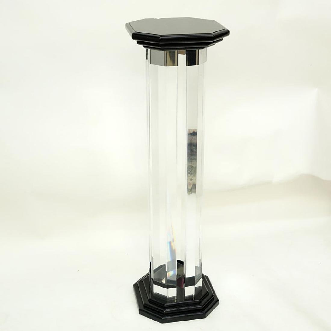 Mid Century Modern Lucite and Black Lacquer Pedestal. - 5