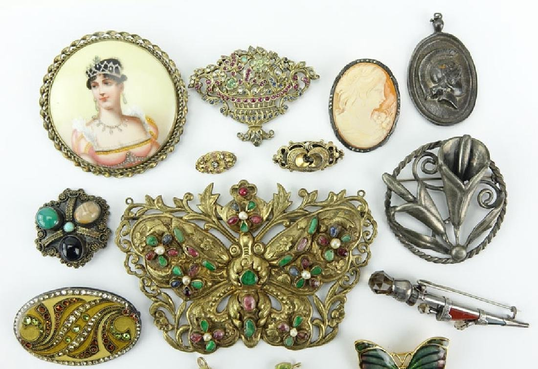 Lot of Thirteen (13) Vintage Costume Jewelry. Includes: - 3