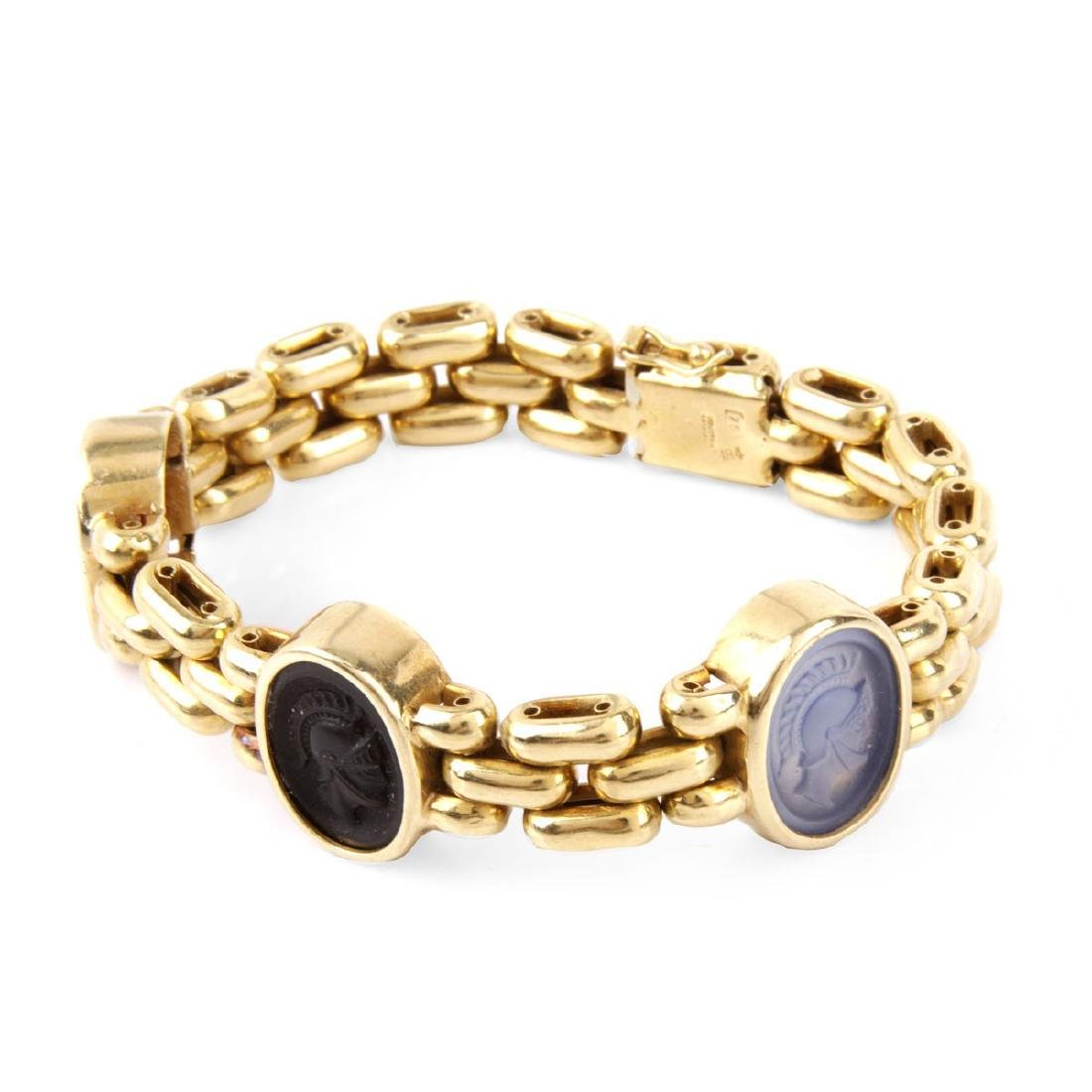 Vintage 18K Gold and Intaglio Bracelet - 2