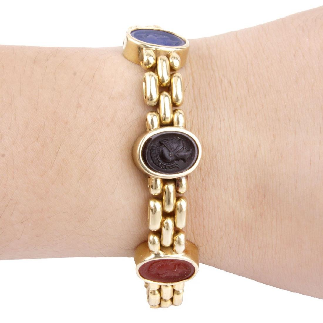 Vintage 18K Gold and Intaglio Bracelet - 6