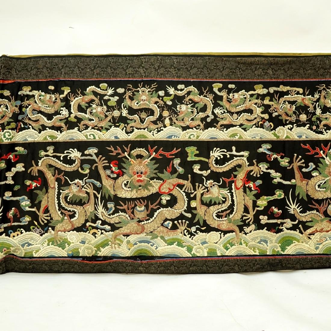 Fine Quality Antique Chinese Silk Embroidery - 3