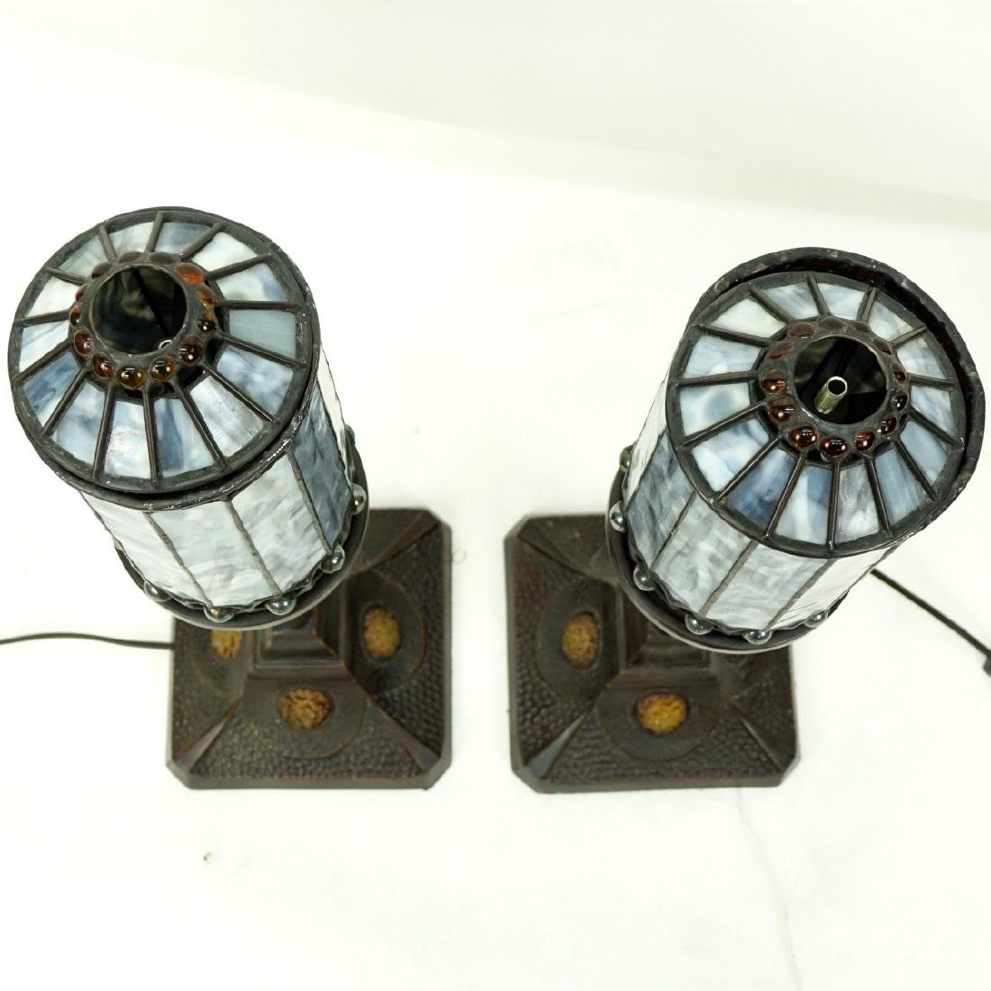 Pair Of Quoizel Inc Lamps With Leaded Glass Shades - 3