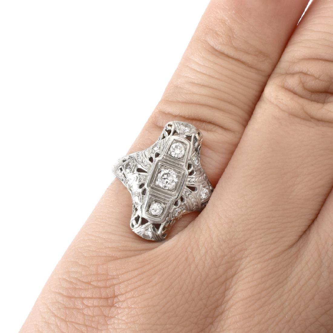 Art Deco Diamond and 18K Gold Ring - 6