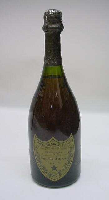 6: Dom Perignon Vintage 1975 Champagne 750 ML. Moet et