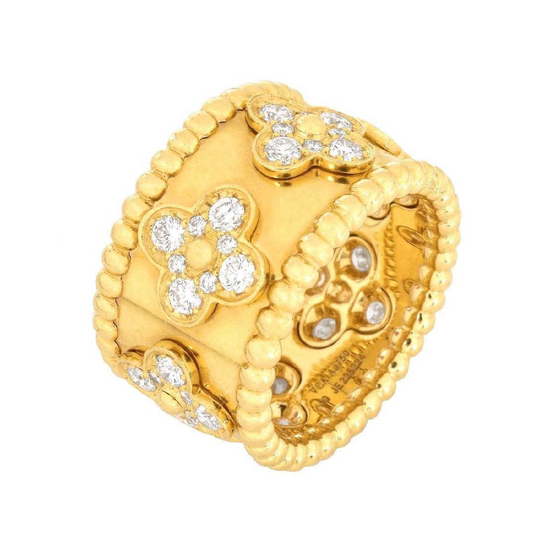 Van Cleef & Arpels 'Perlee Clover' Ring