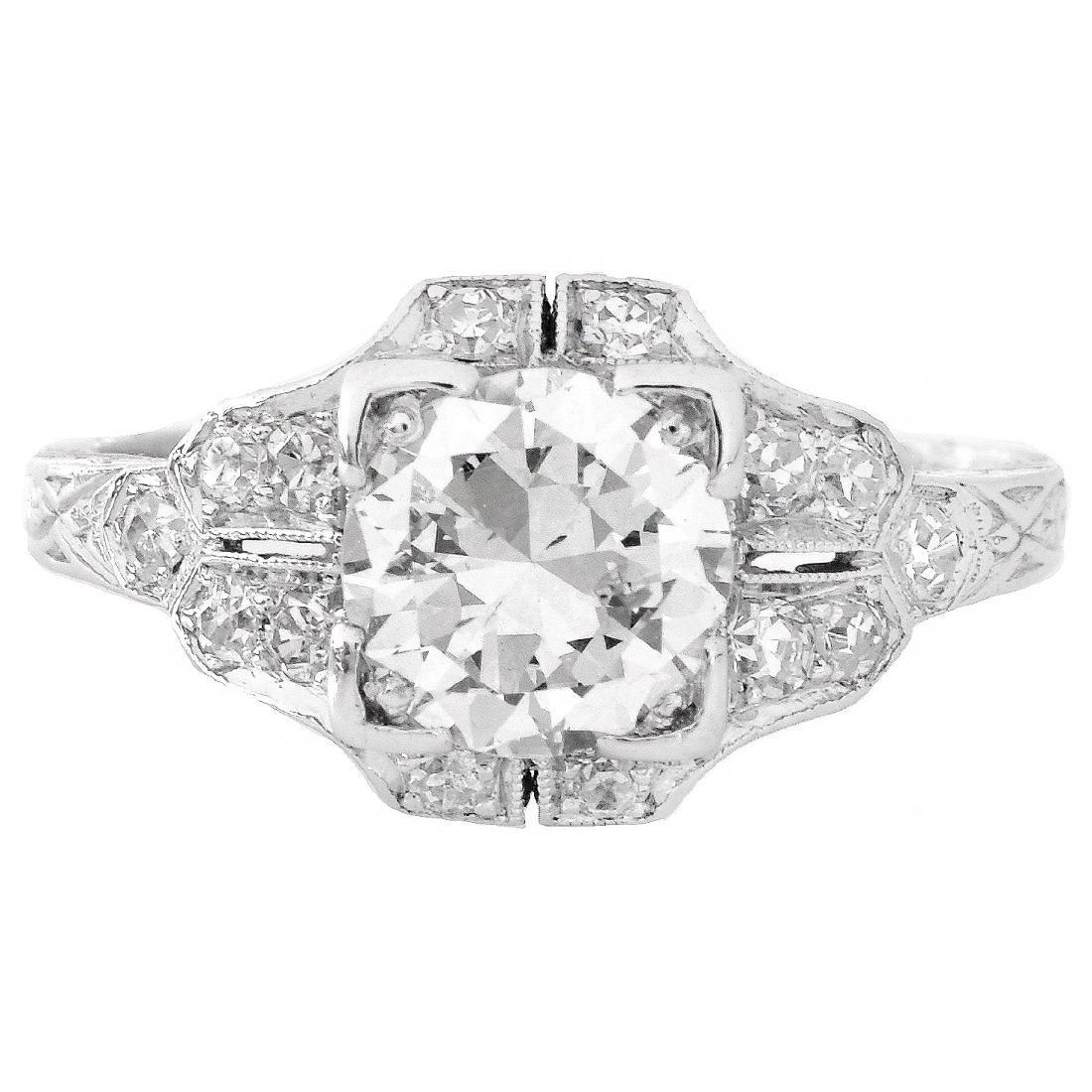 Art Deco 1.30 Carat TW Diamond and Platinum Ring - 2