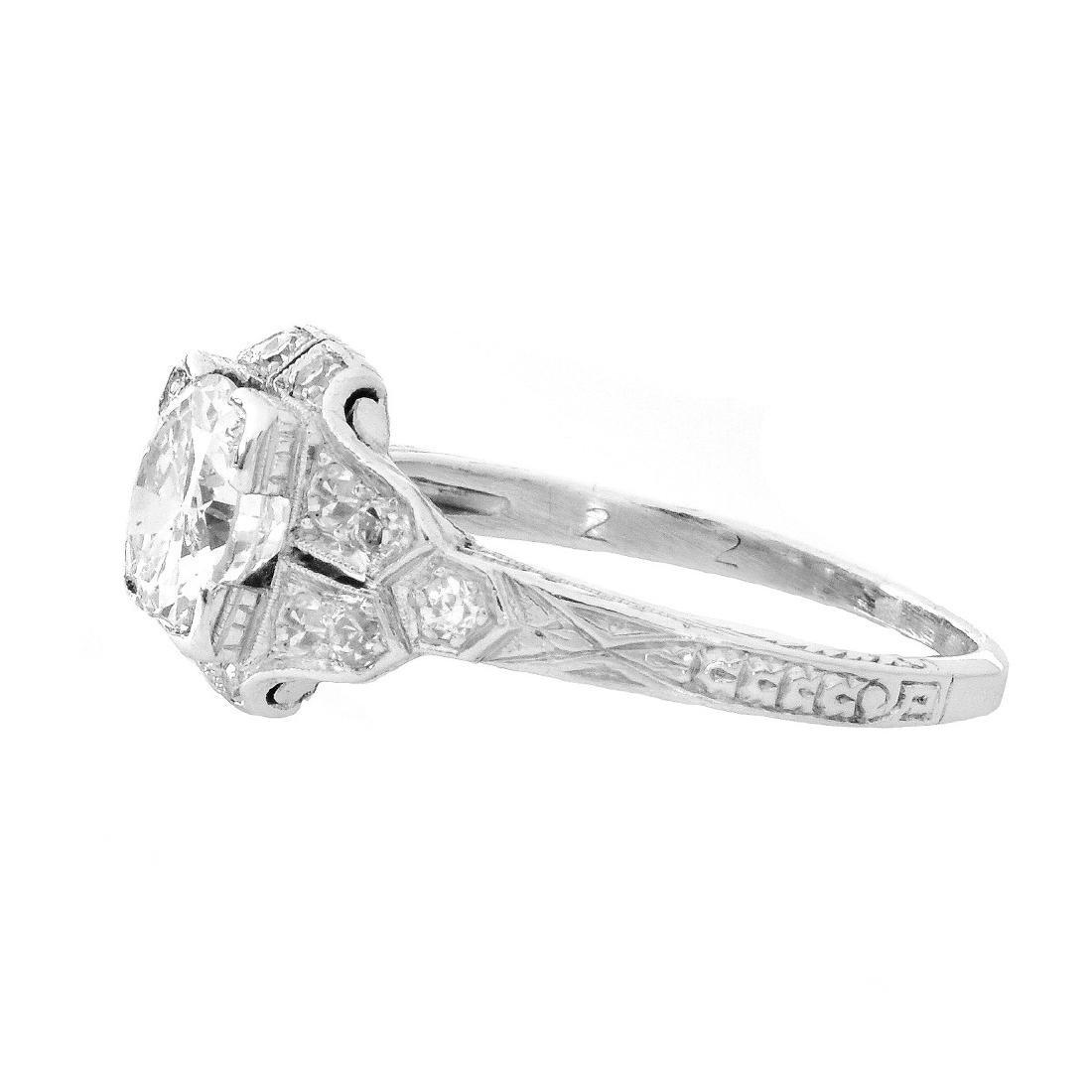 Art Deco 1.30 Carat TW Diamond and Platinum Ring - 3