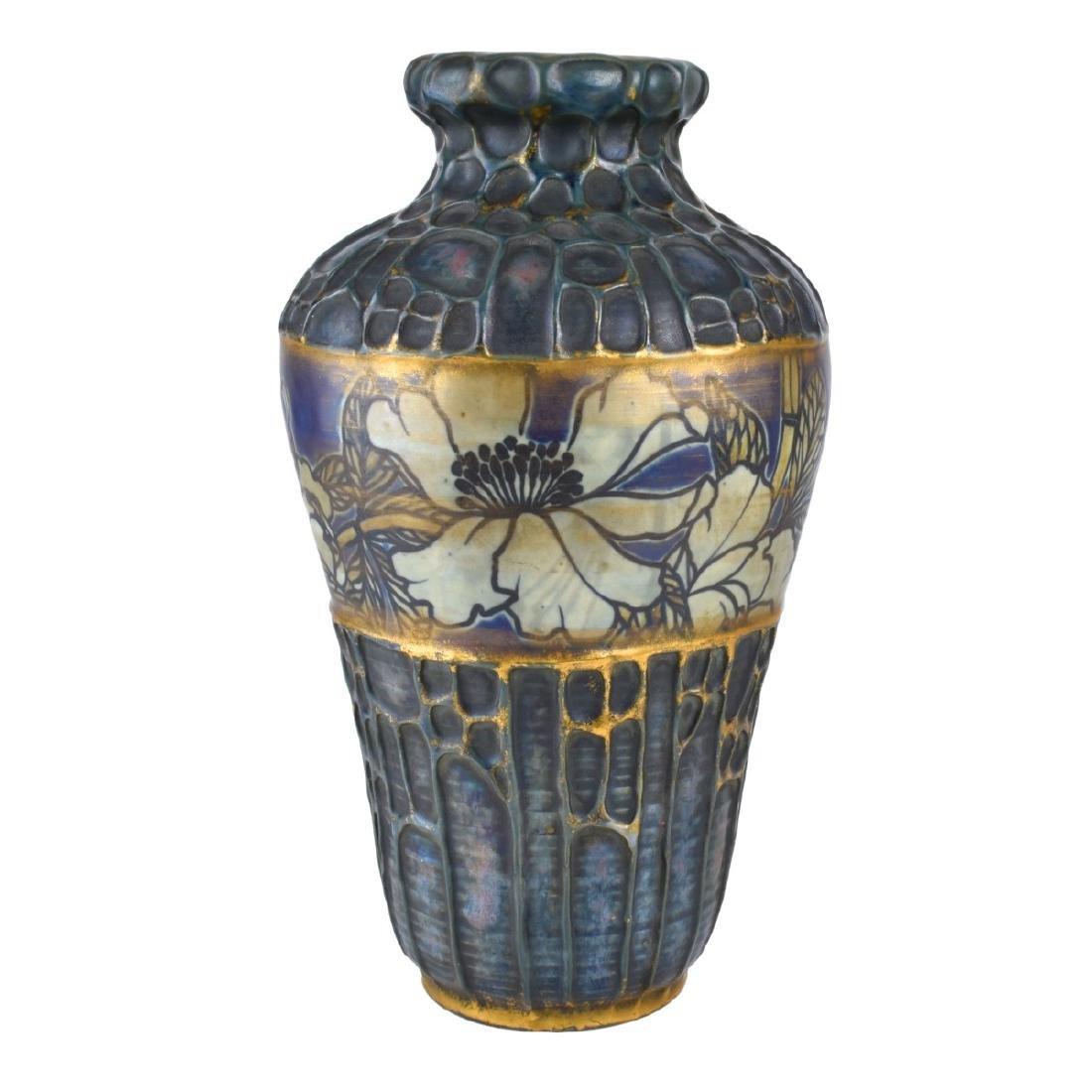 Amphora Honeycomb and Poppy Vase