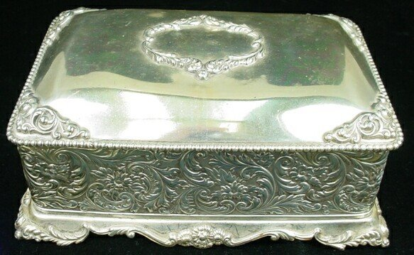 4: Late 19C Forbes Silver Plate Box w/ Original Lining.
