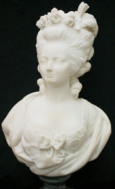 16: Marble Bust Sculpture Marie Antoinette Unsigned. Mi