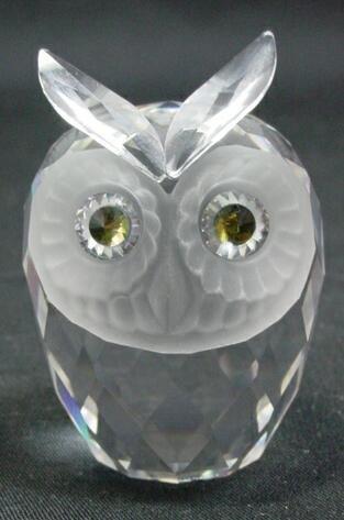 509: Swarovski Crystal Owl  Figure. Signed with Swarovs
