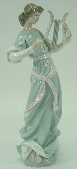 521: Lladro Porcelain Group Angel with Lyre #1321. Reti