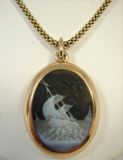 150B: Victorian Shell Cameo Double Faced Locket w/ 14kt
