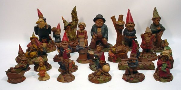 507: Approximately 25+/- Tom Clark Gnome Figures
