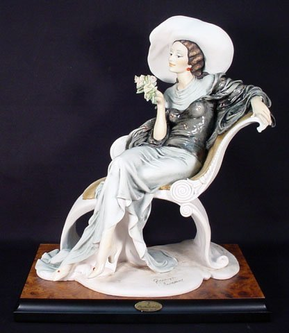 "509: 1994 Limited Edition Giuseppe Armani Figurine ""At"