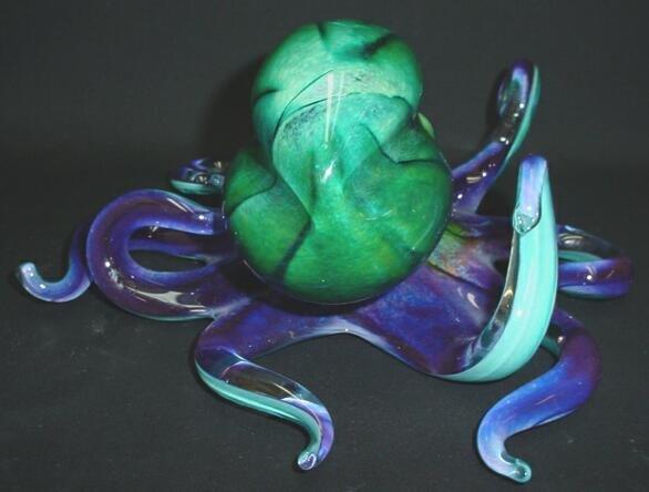 520: Modern Art Glass Octopus. Unsigned. Very Good Cond - 3