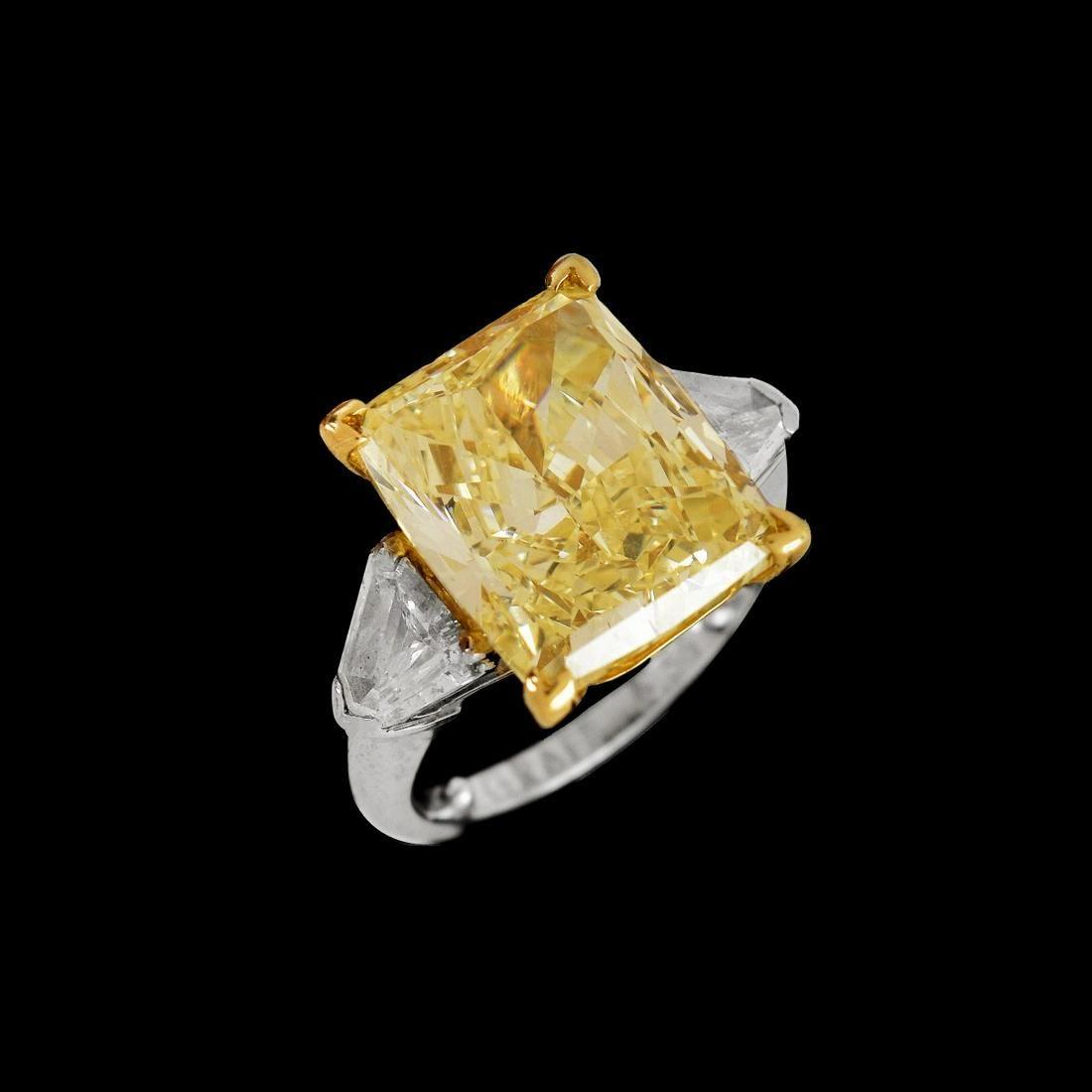 Graff 8.54ct Fancy Yellow Diamond Ring