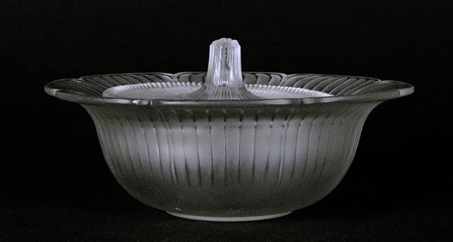 21: Early to Mid 20th Century Rene Lalique Covered Cand