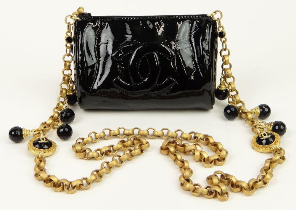 Almost New Vintage Black Patent Leather Chanel Hand