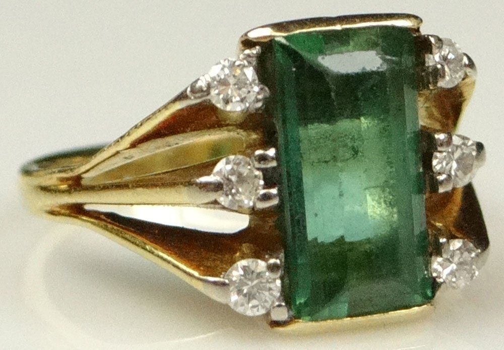 Lady's Vintage Step Emerald Cut Emerald, Round