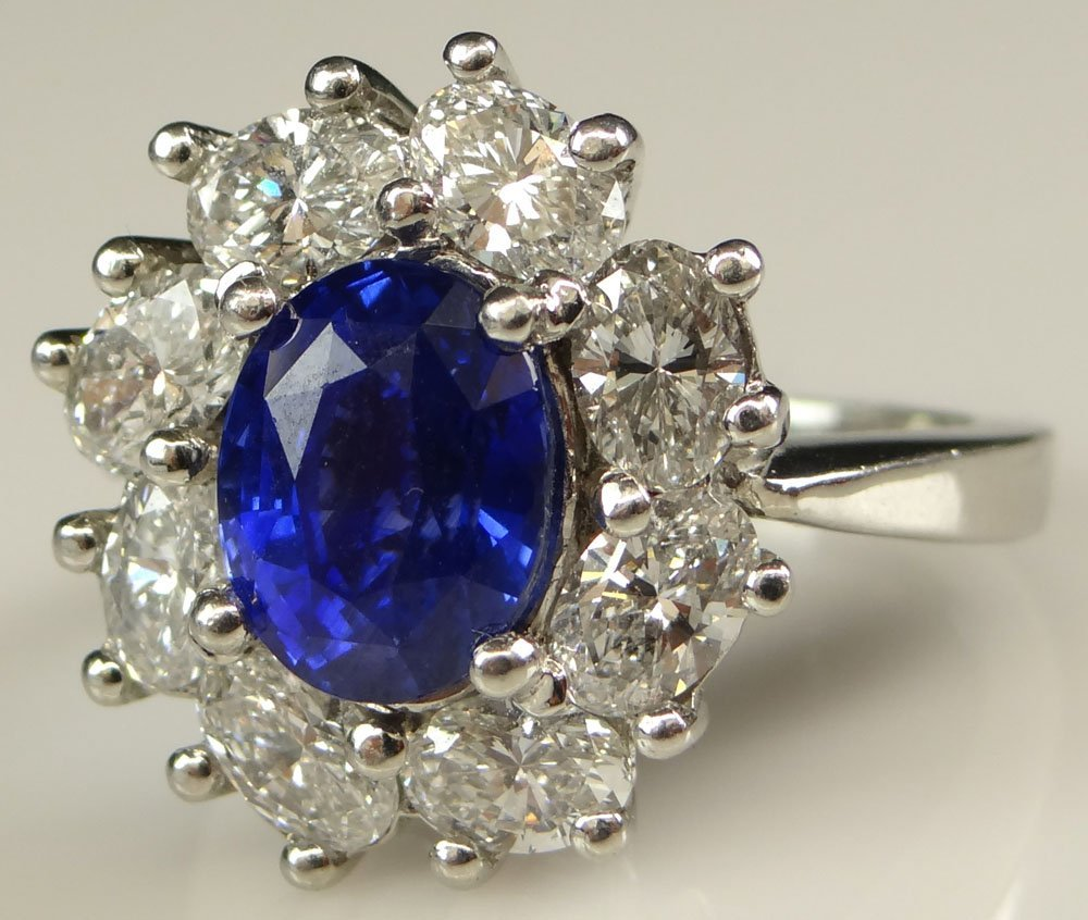 Lady's Very Fine 3.94 Carat Oval Cut Ceylon Sapphire,