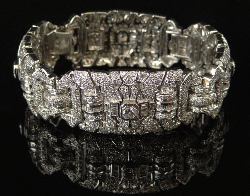 Lady's Geometric Art Deco Style 17.00 Carat Diamond and