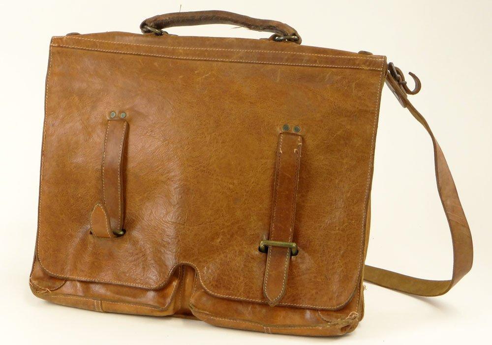 Vintage Il Bisonte Leather Attaché/Messenger Bag.