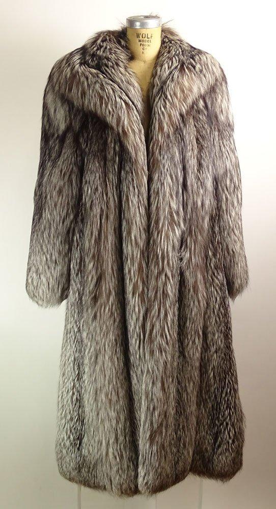Retro Jerry Sorbara Full Length Silver Fox Fur Coat. - 3