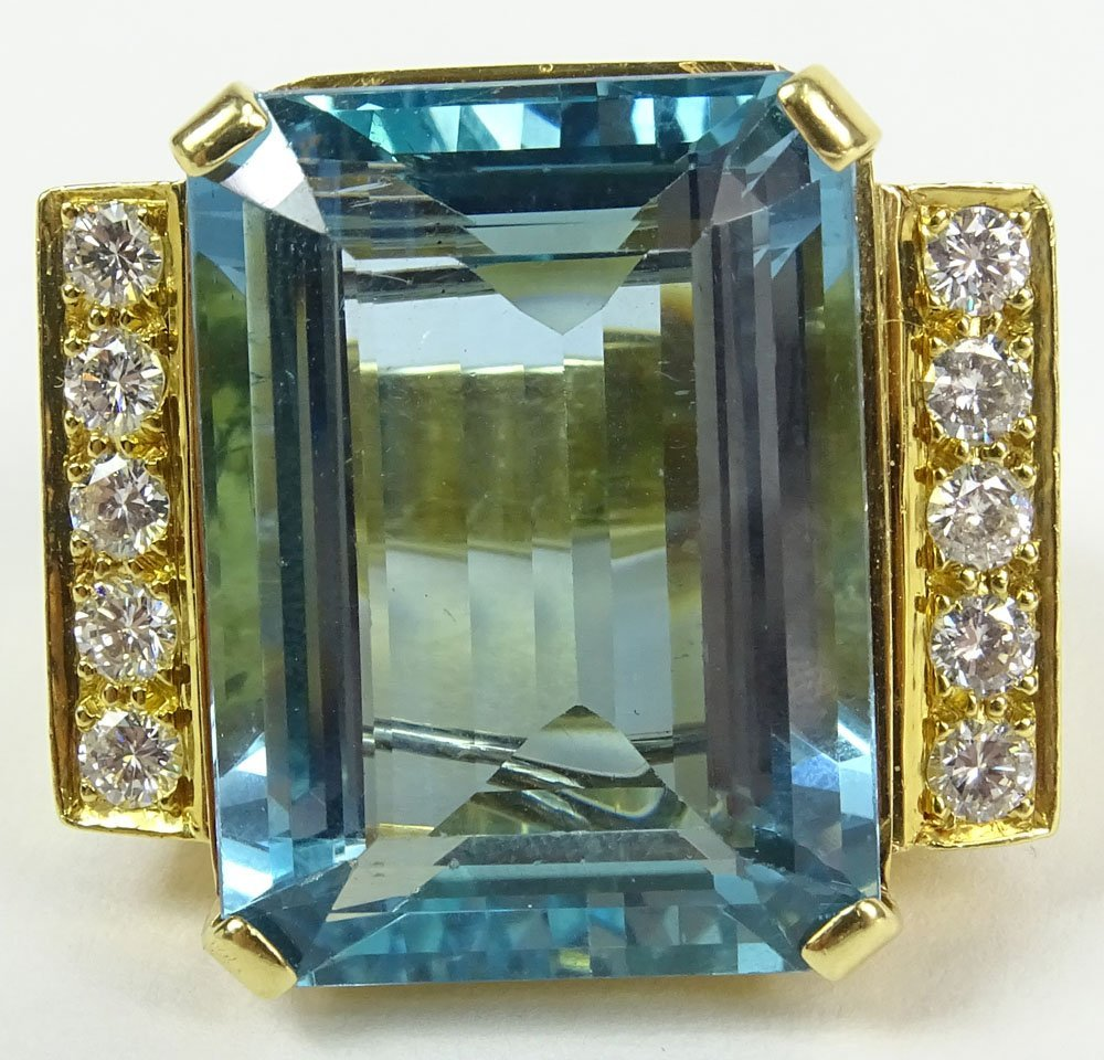 Stunning Gem Quality approx. 50 Carat Emerald Cut