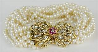 Lady's vintage multi strand pearl bracelet with approx.