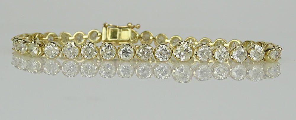 AIG Certified 8.57 Carat Diamond and 18 Karat Yellow