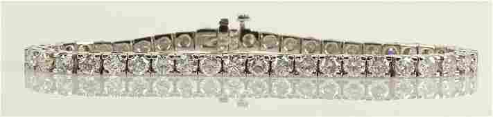 AIG Certified 8.28 Carat Diamond and 14 Karat Yellow