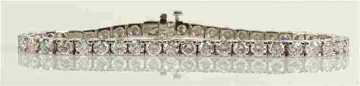 AIG Certified 828 Carat Diamond and 14 Karat Yellow