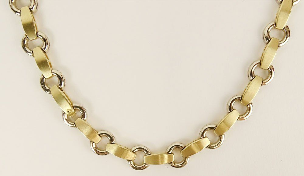 Lady's Vintage 14 Karat Yellow Gold Necklace. Signed