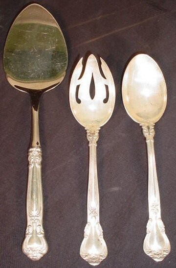 14: 3 Gorham Chantilly Sterling Silver Serving Pieces