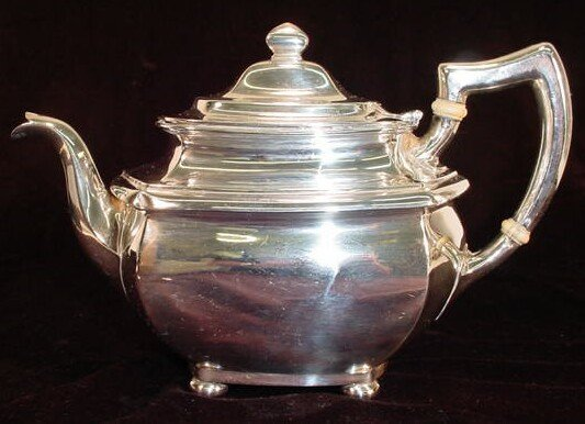 "20: Gorham Sterling Silver Tea Pot in the ""A7492"" Patte"