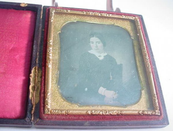 501: 1/6 Plate Daguerreotype Dag in Leatherette Case Po