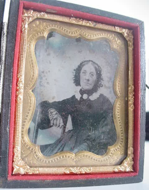 511: 1/9 Plate Ambrotype in Leatherette Case. Identifie