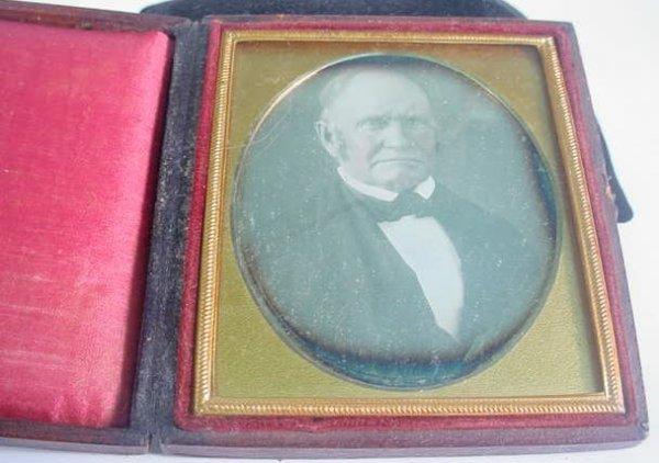 517: 1/6 Plate Daguerreotype Dag in Leatherette Case Po