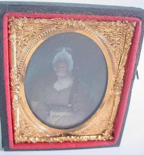 523: 1/9 Plate Ambrotype in Leatherette Case. Identifie