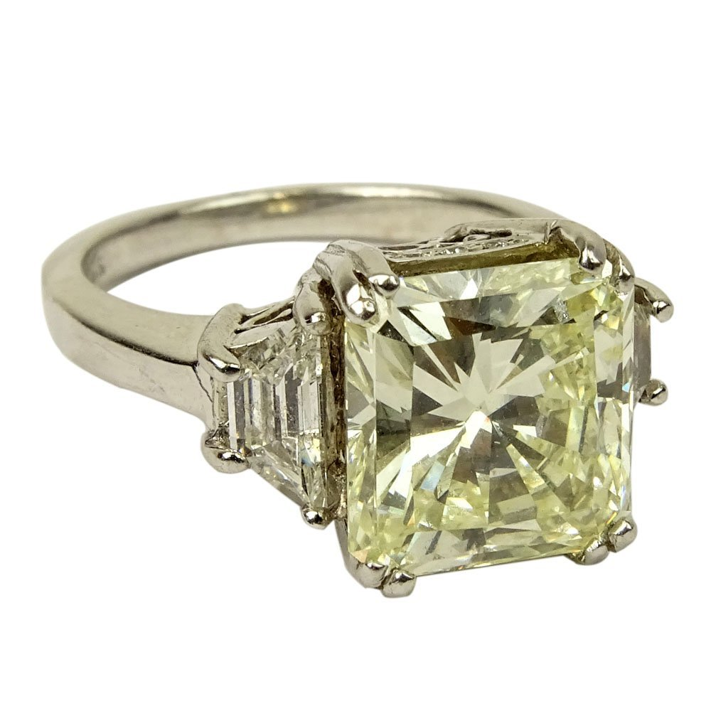 Important Approx. 5.40 Carat Radiant Cut Diamond and 18