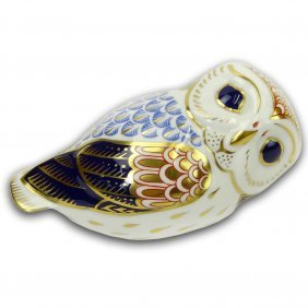 Royal Crown Derby Hand Painted Porcelain Owl Figurine.