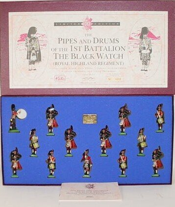 503: 1995 William Britains #5196 The Pipes and Drums of