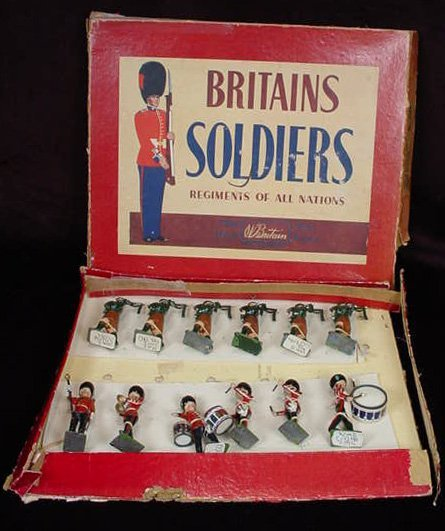 519: 1954 to 1965 William Britains #2096 Pipes and Drum