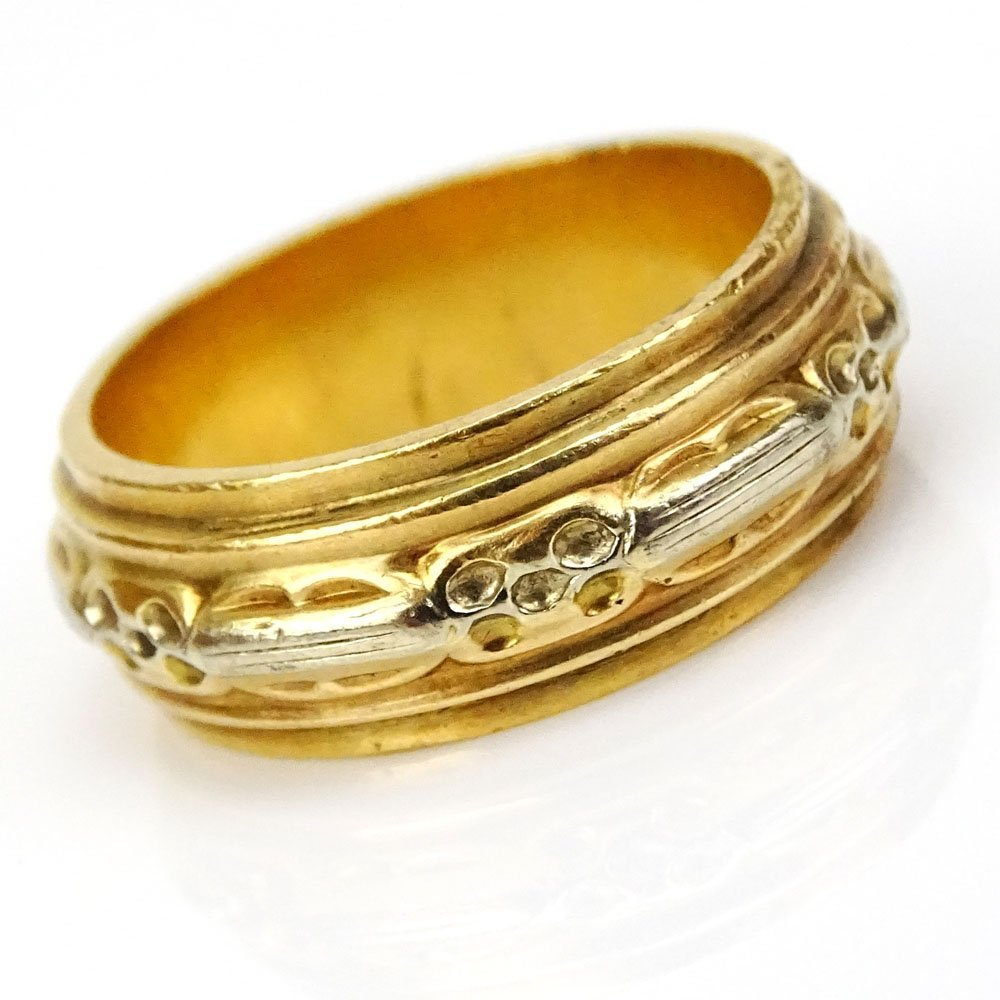 Man's Vintage Heavy 18 Karat Yellow Gold Band. Stamped