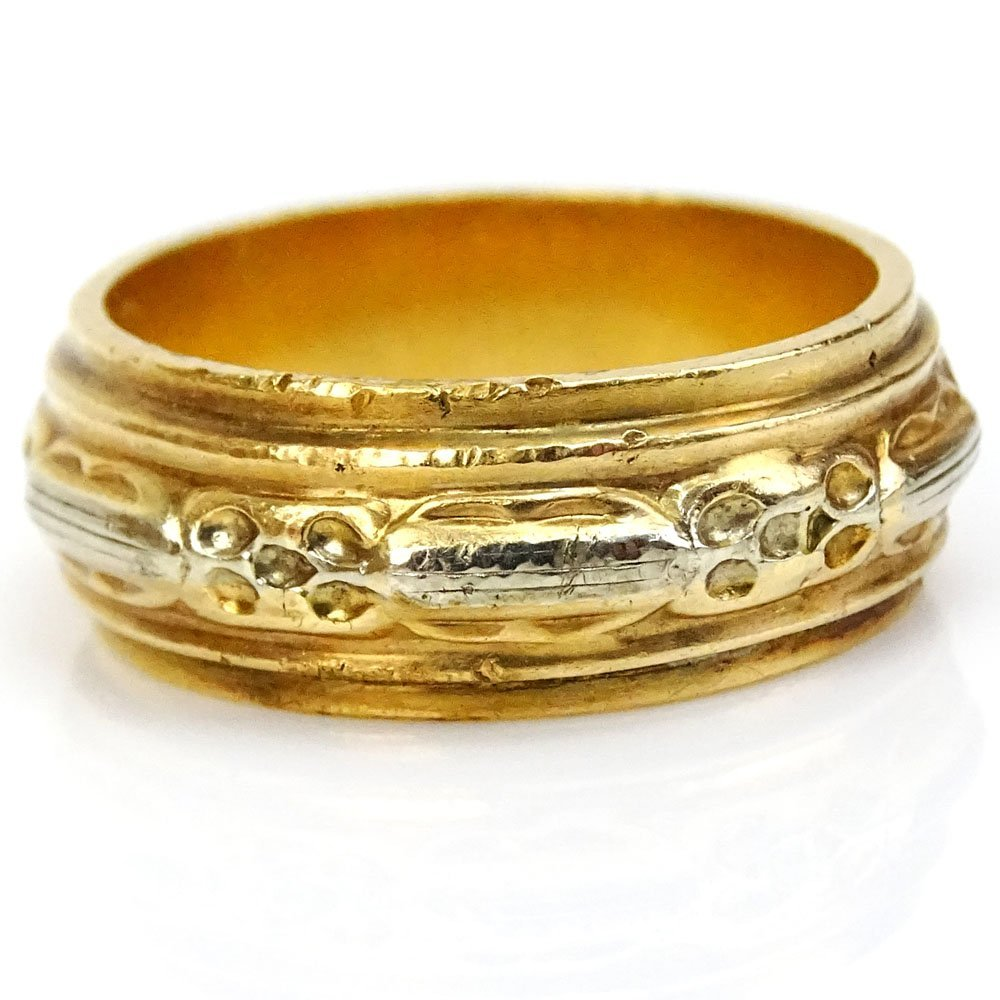 Man's Vintage Heavy 18 Karat Yellow Gold Band. Stamped - 2