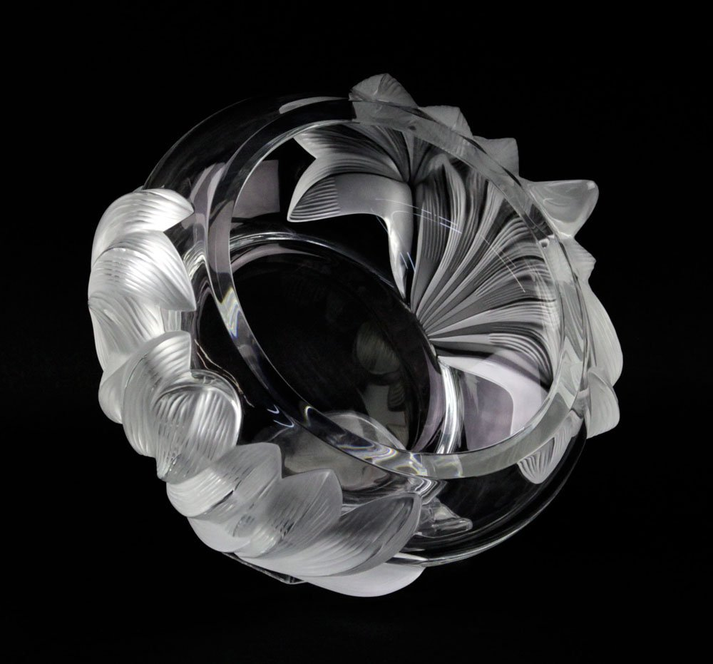 """Lalique France """"Pivionne"""" Water Lily Crystal Bowl. - 3"""